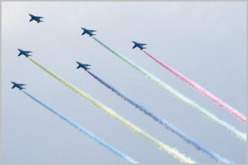 五輪のブルーインパルスは2個編隊が飛んでいた